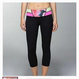 Lululemon - crop pant floral waistband